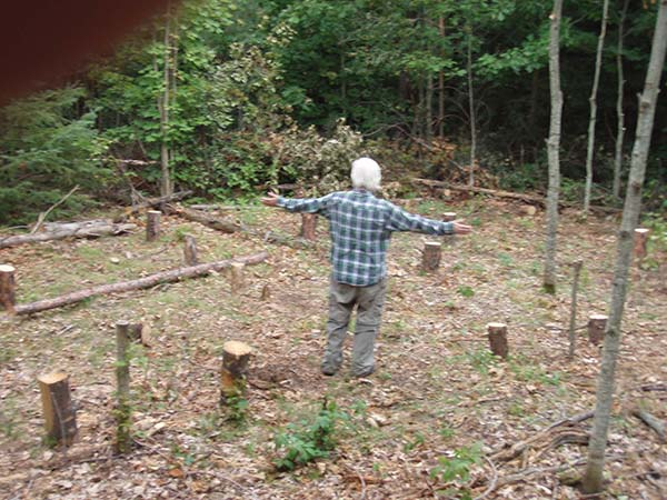 Robin marking post holes 3