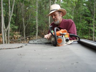 Sharpening the chain saw