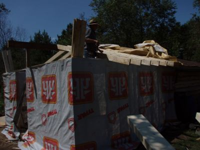 Cabin -Building the Roof (7)