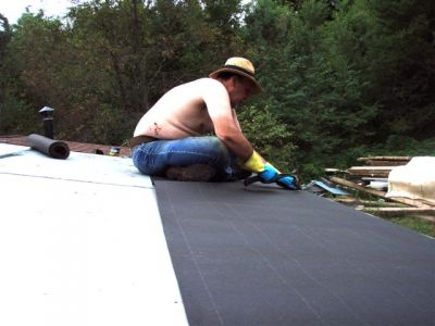 Cabin: Working the Roof (3)