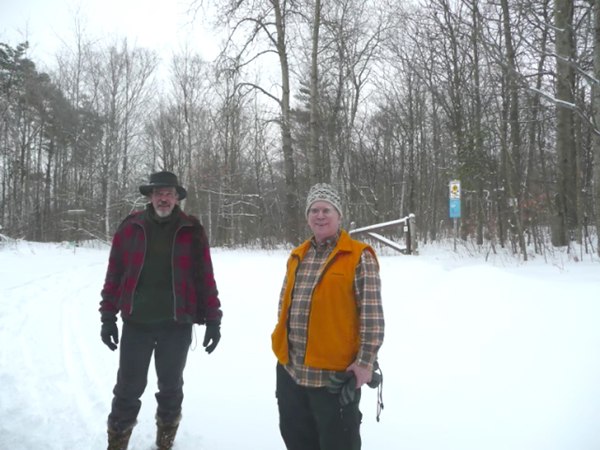 Forest Woodhenge - Bill & Robin at the property gate!