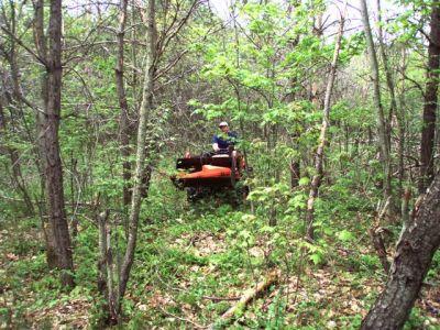 Tractor climbing to Woodhenge.